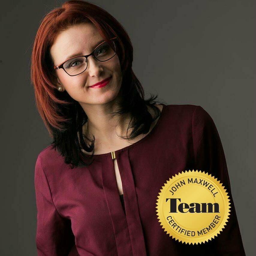 Profil de antreprenor: Madalina Ghinescu - trainer & speaker John Maxwell Team